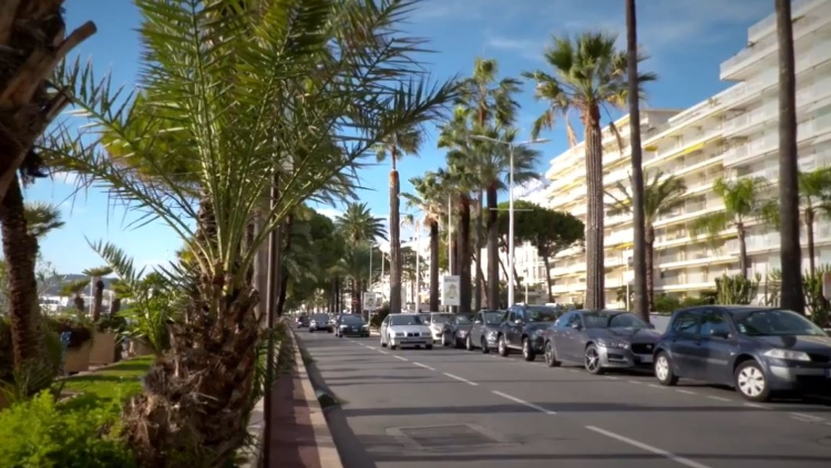 Intelligentes Parksystem in Cannes